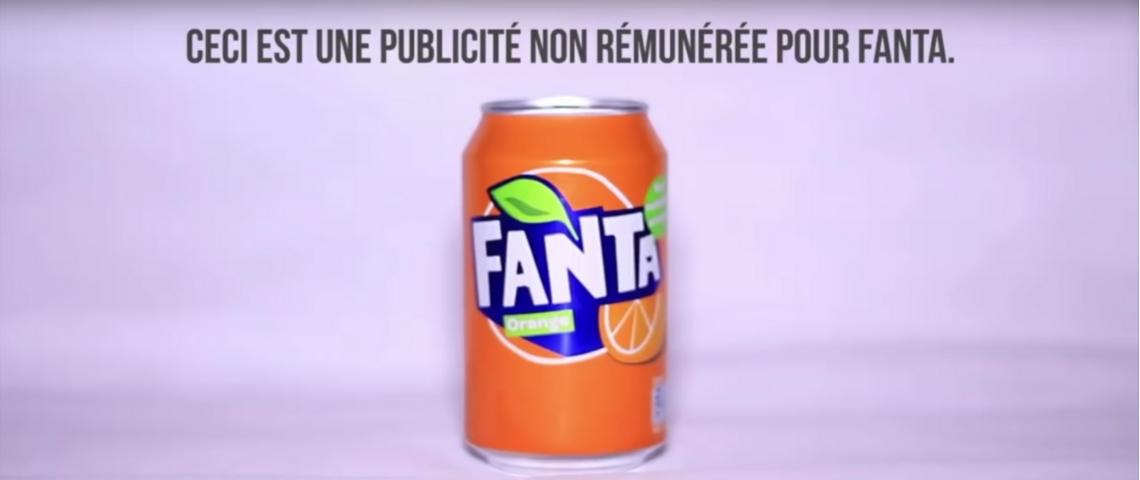 une canette de Fanta avec la phrase ceci est une publicité non rémunéré pour Fanta