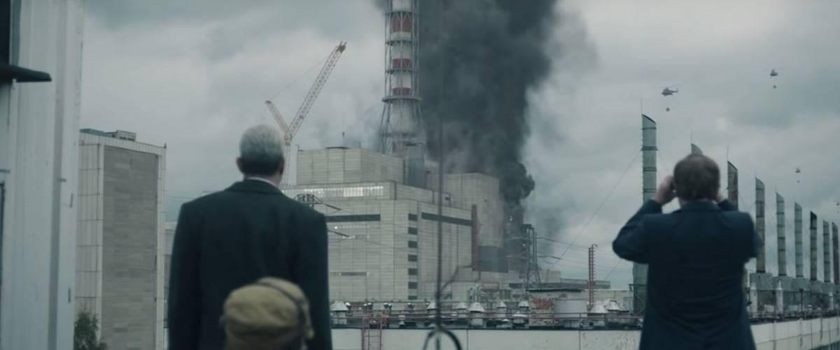 Réacteur de la centrale nucléaire de Tchernobyl en fumé