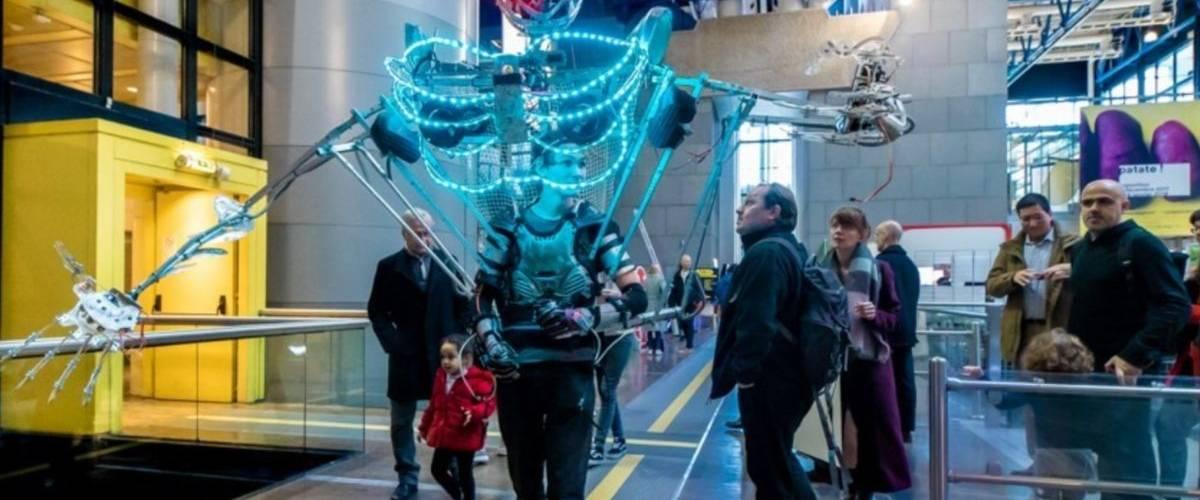 Cyborg dans la Cité des Sciences et de l'industrie