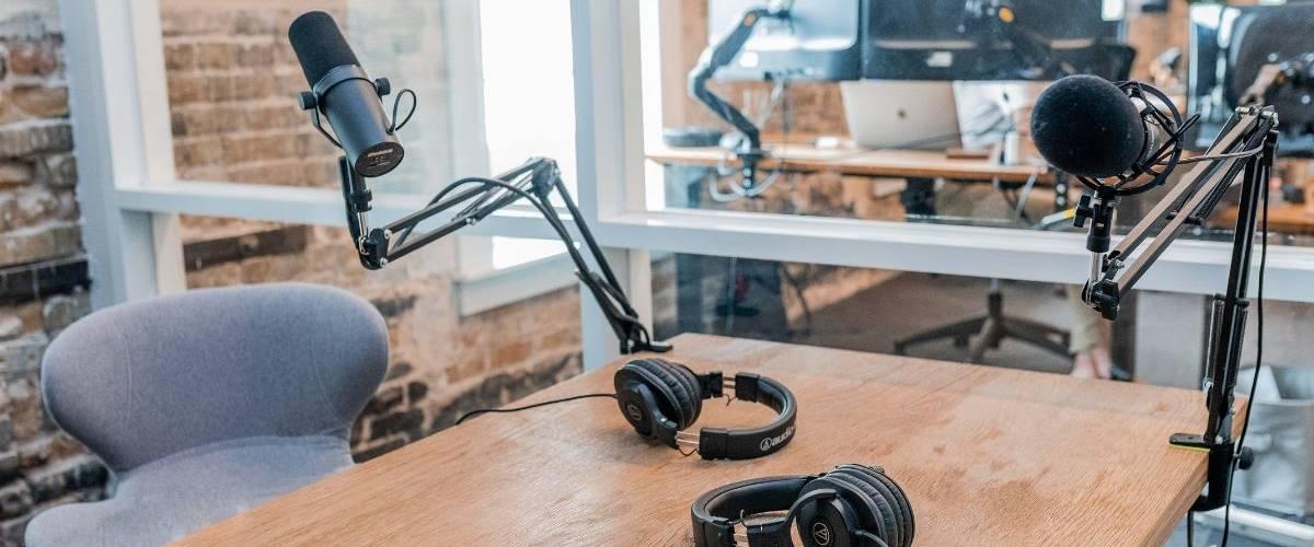 Une salle d'enregistrement de podcast