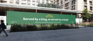 McDonald's trolle Burger King dans les rues de Bruxelles