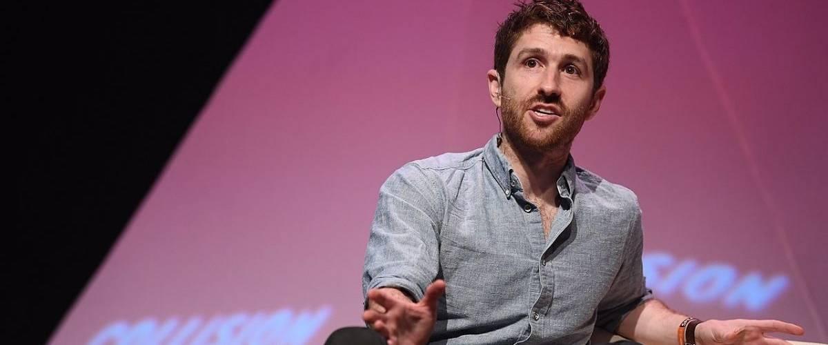 Tristan Harris ex-ingénieur Google, lors d'une conférence Colusion