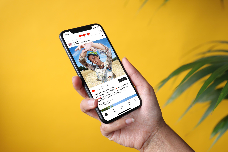 Un iphone sur l'interface Depop