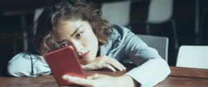 Pourquoi regarder son portable à la pause-café est une mauvaise idée