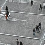 Visuel de gens marchant dans la rue sur des cases qui repésentent les cases d'un calendrier