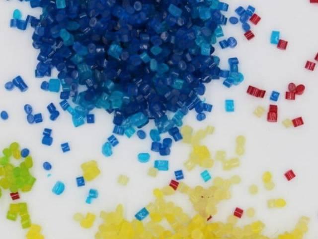 Petits granulés de toutes les couleurs thermoplastiques hydrosolubles et biodégradables à base de protéine du lait
