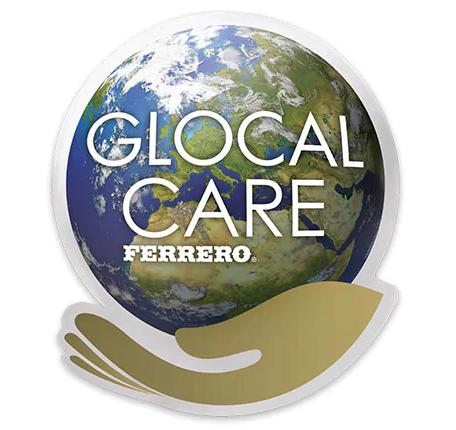 Visuel d'une planète au creux d'une main avec le slogan  :global care ferrero