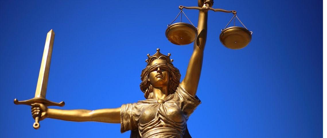 Est-il possible pour les entreprises de précéder les lois ? Quels sont leurs rôles à côté de l'Etat ?