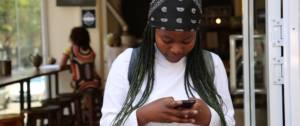 SMS : les ados écrivent moins mais plus vite