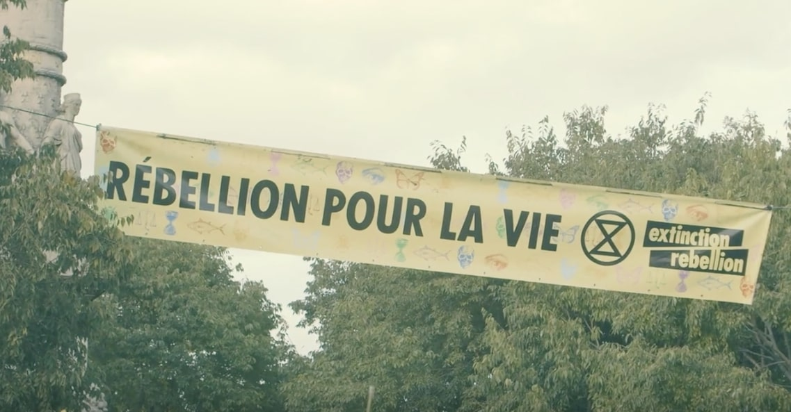 Banderole du mouvement Extinction Rebellion