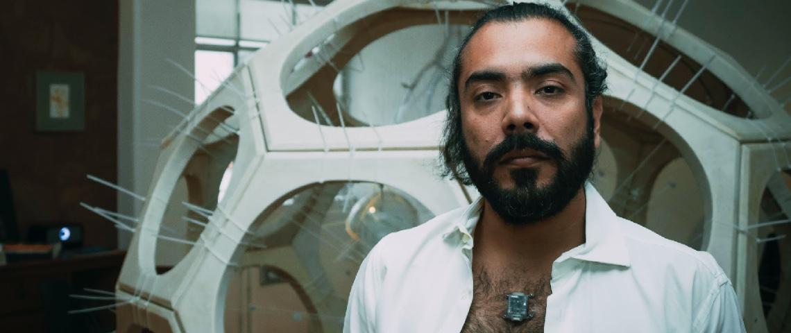 Victor Perez Rul porte une boussole North Sense sur son torse