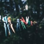 Visuel de pinces à linge sur un fil