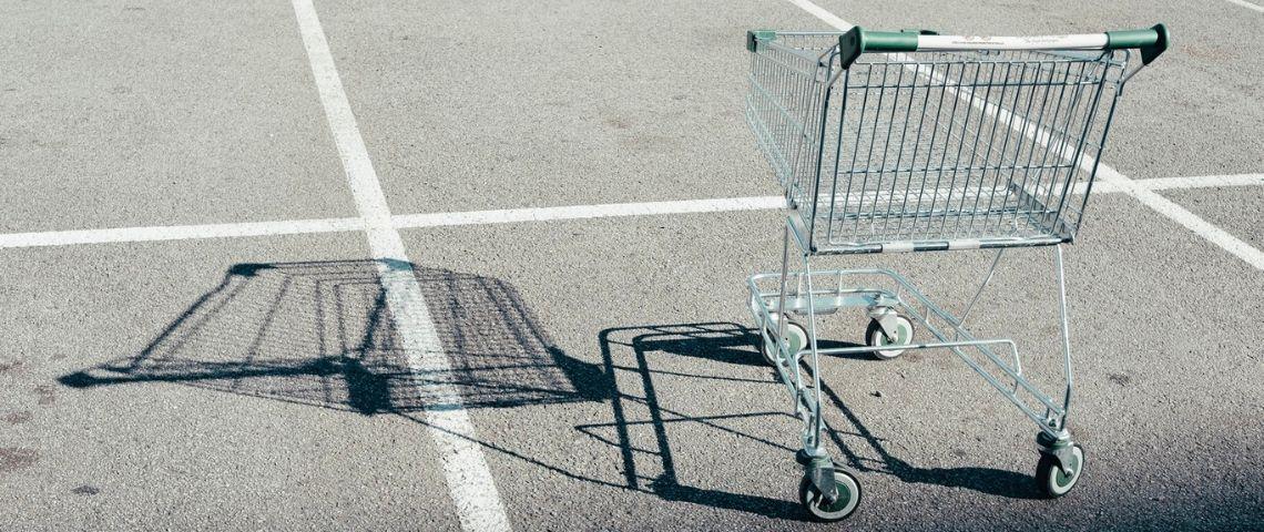 cadis au milieu d'un parking