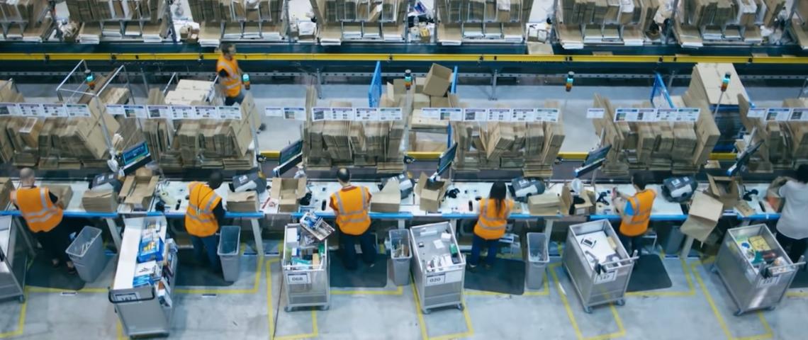 Un entrepôt d'Amazon en France