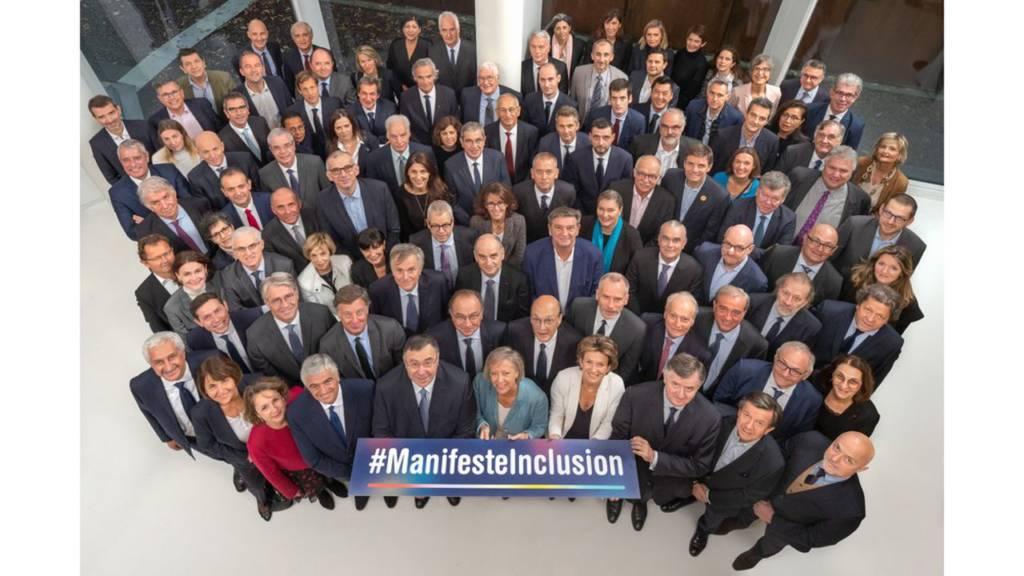 Photo des dirigeants des entreprises qui ont signé le Manufeste Inclusion