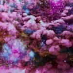 Nuage de poussière rose