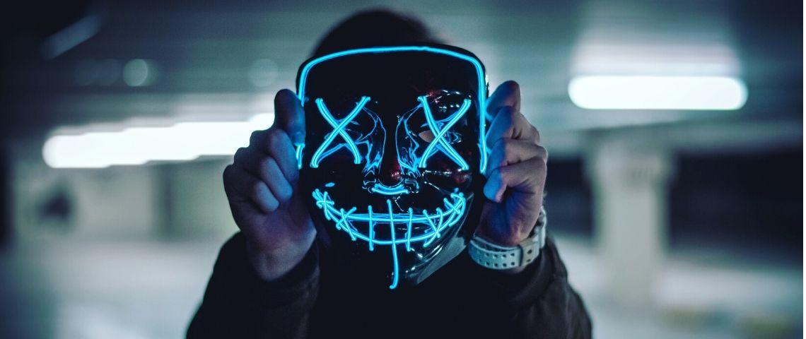Homme masque