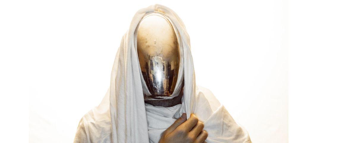 Homme masqué