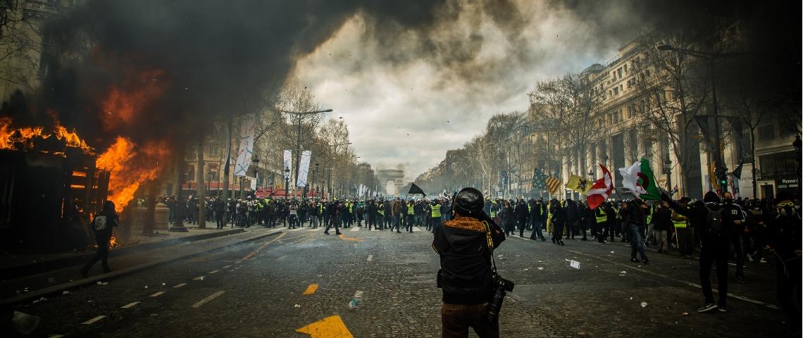 une scène e manifestation sur Paris