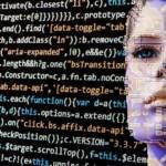 ligne de code avec un visage humain en arrière plan