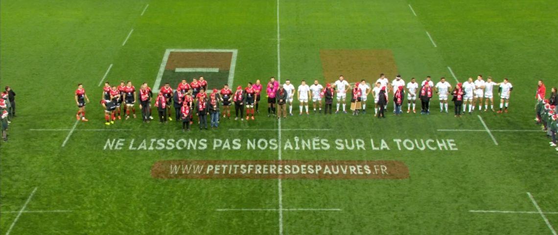 Photo des rencontres festives organisées par la ligue nationale de rugby et les petits frères des pauvres