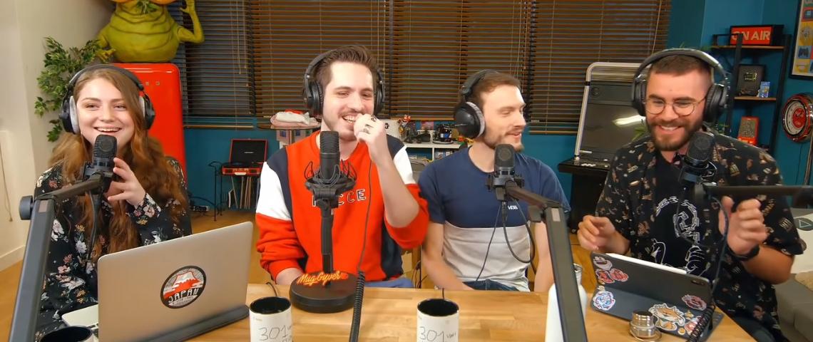 Des youtubeur autours d'une table qui font du live