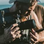 Cadreur monteur sur un tournage