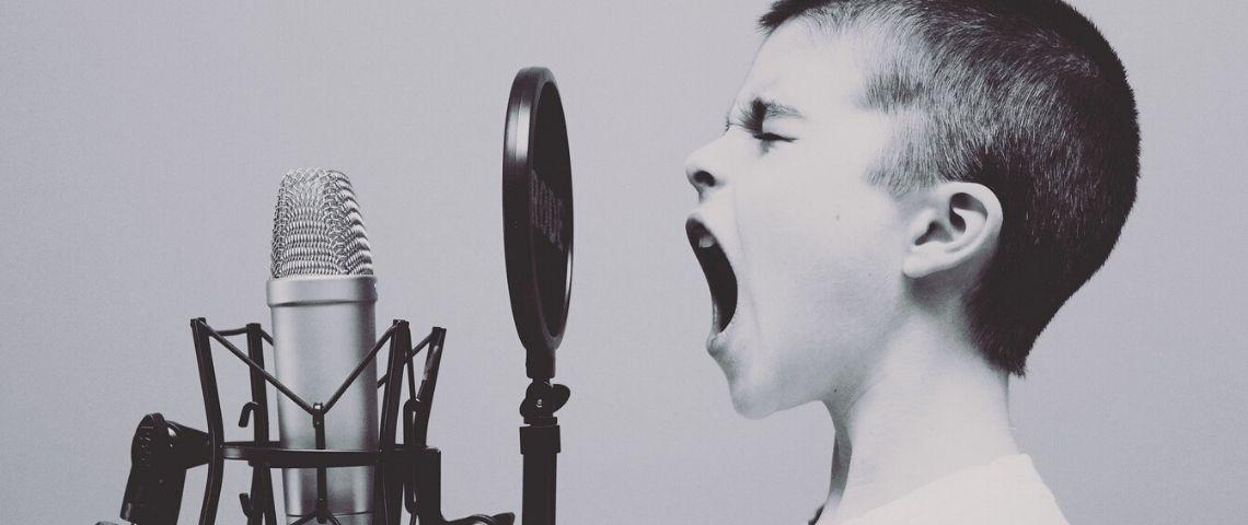Enfant chantant