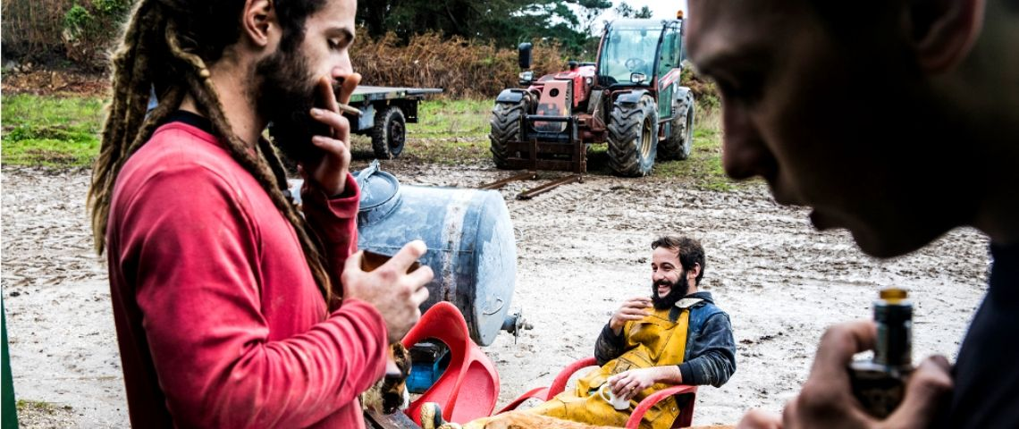 Cette photographe a passé 24h dans la vie d'agriculteurs pour casser les clichés sur la vie rurale