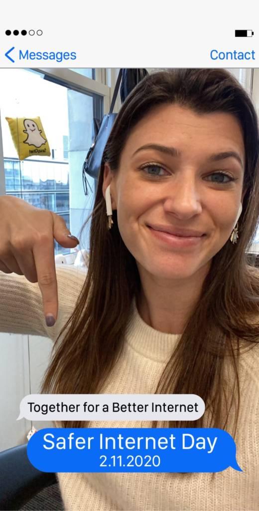 Capture d'écran de Snapchat avec une femme annoncant le Safer Internet Day
