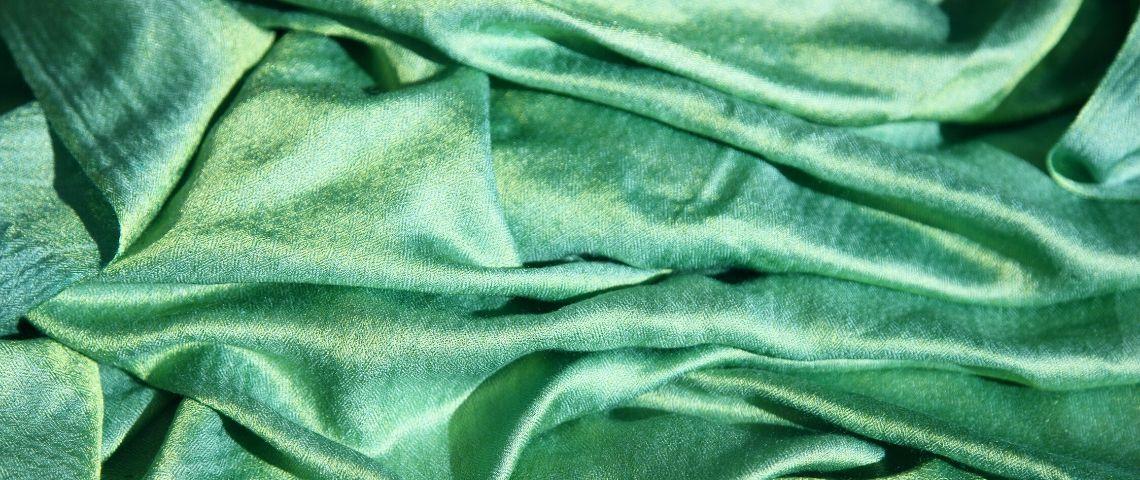 tissu de soie verte