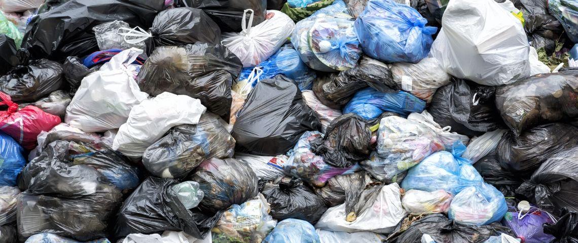 Des sacs poubelles