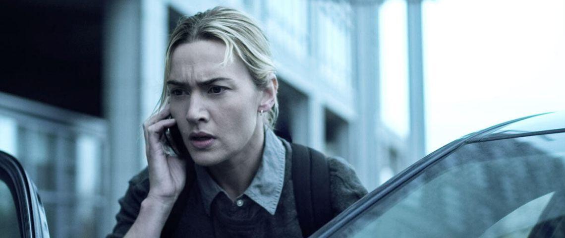 Kate Winslet au téléphone