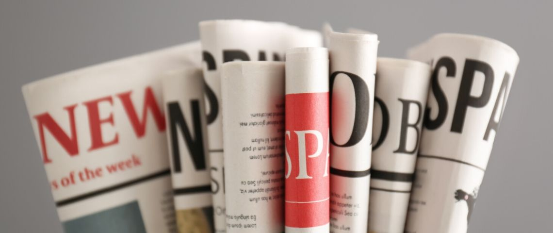 Des journaux placés en éventail