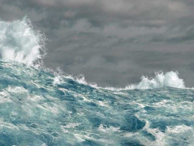 Une mer déchainée par la tempete