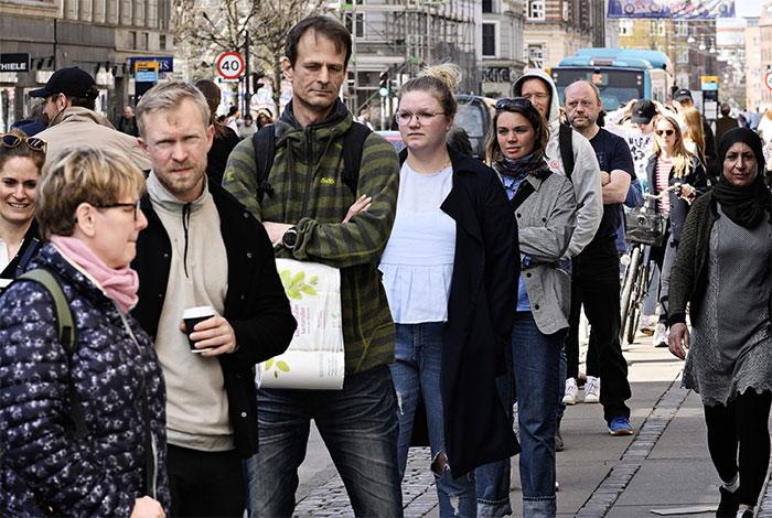 Des Danois qui font la queue