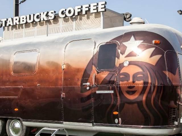 Un camion Starbucks