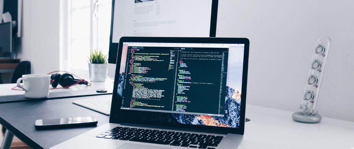 Une page de code sur un ordi
