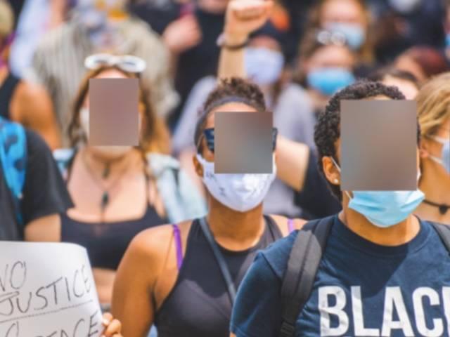Manifestant black lives matter aux visages floutés