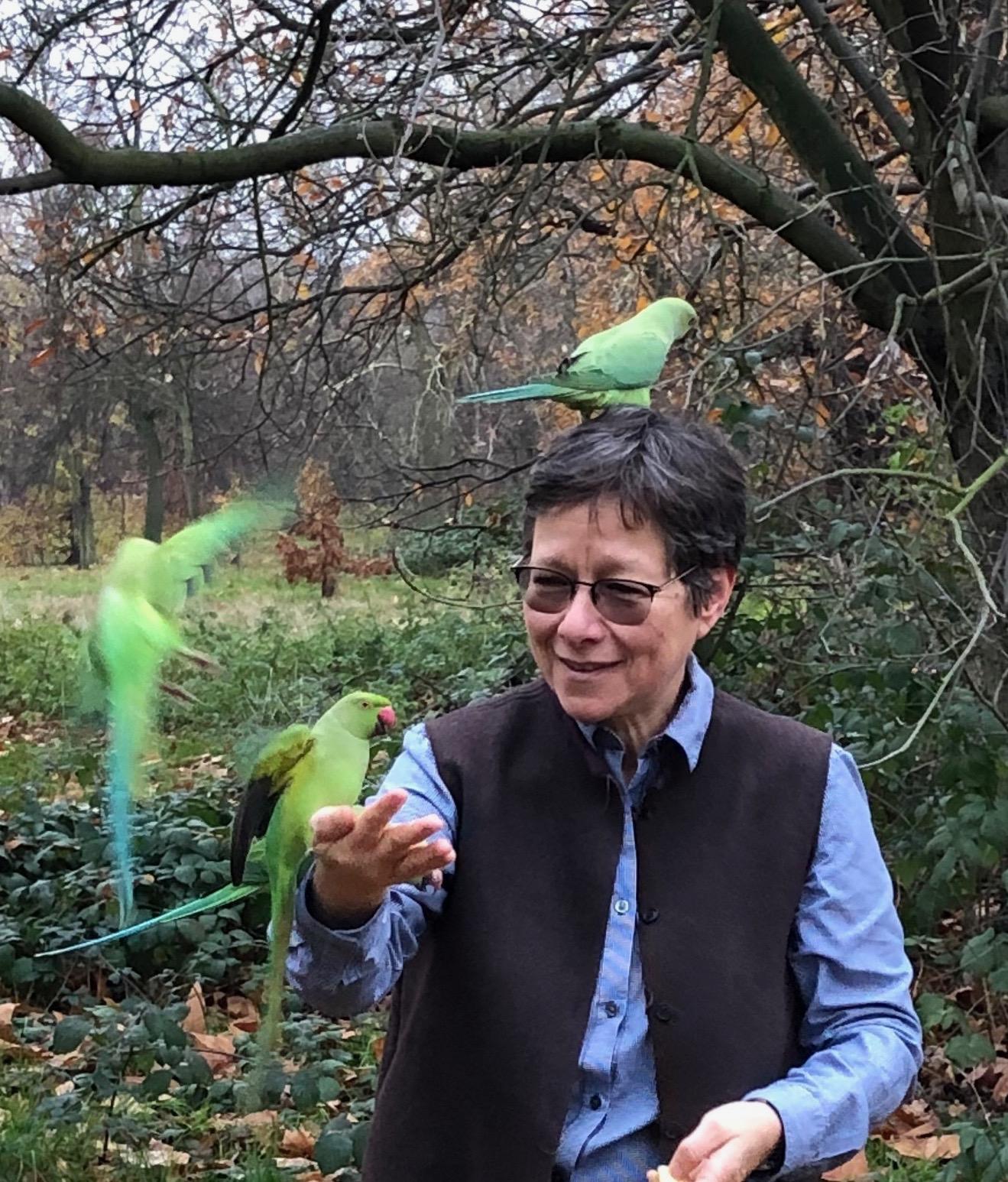 Anna Tsing avec des oiseaux