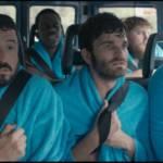 Equipe de foot dans un minibus