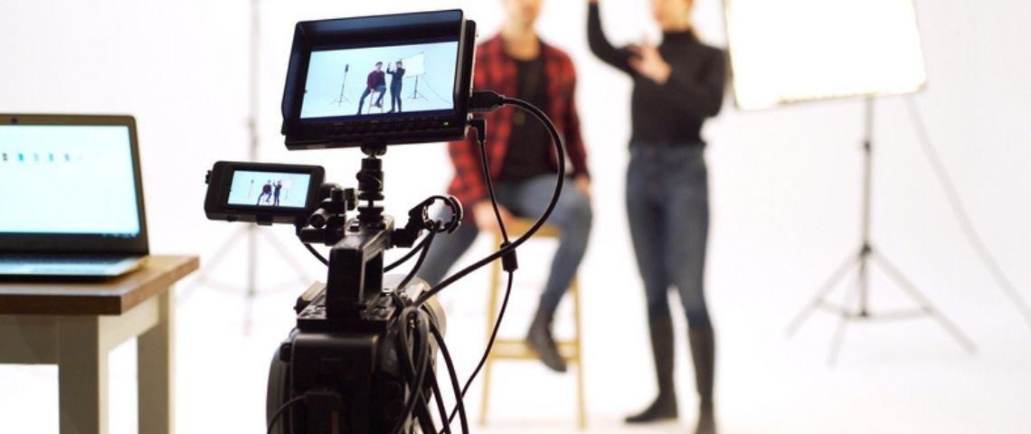 Comment mener une série d'interviews à distance ? Le cas de BD