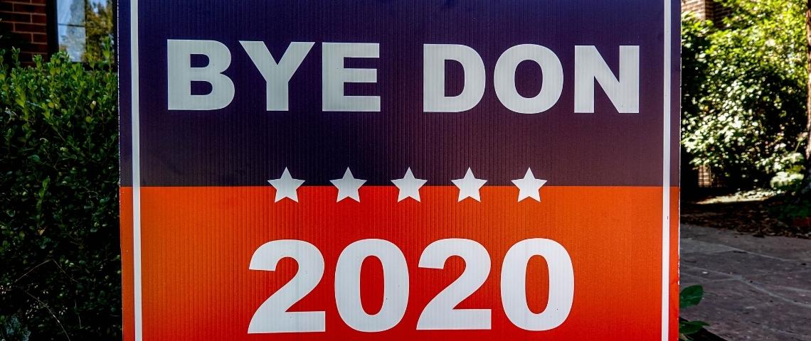 un paneau de soutient à Joe Biden.