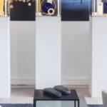Bijoux avec le terminal de paiement Lunu posé devant