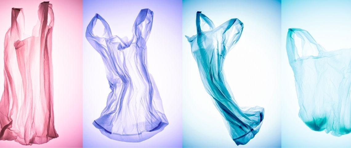 Des sacs en plastique de différentes couleurs