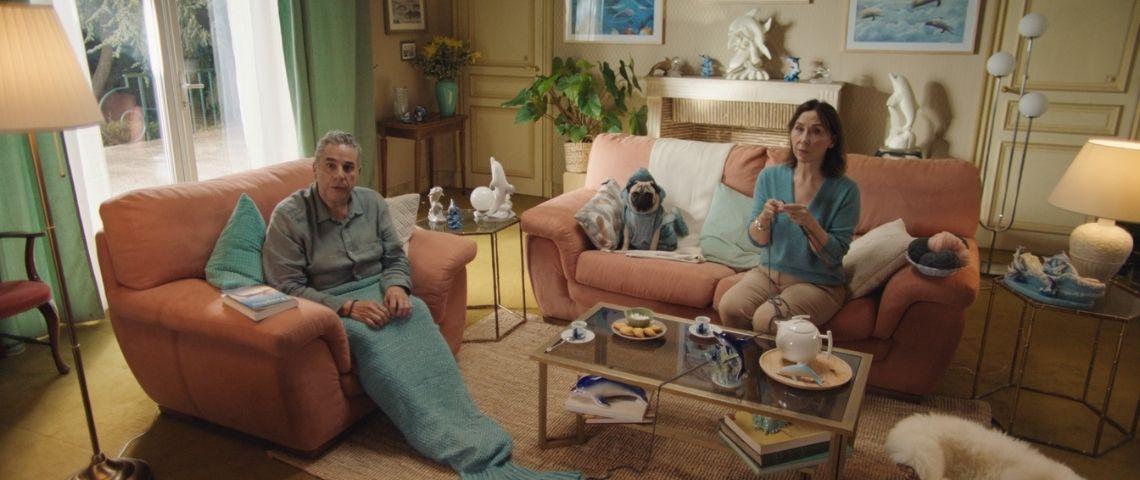 Famille devant sa télévision