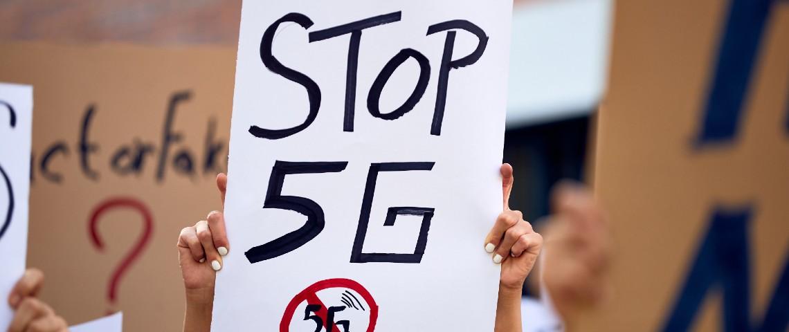 Pancarte pendant une manifestation anti 5g