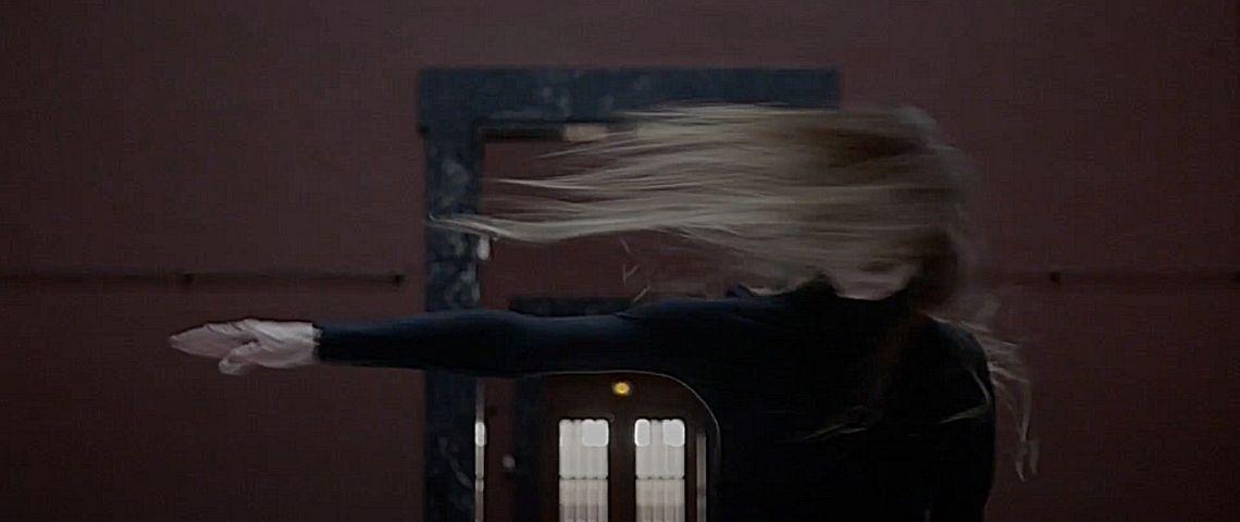 « Dans le noir, on voit mieux » : ce film raconte les états de transe par la danse