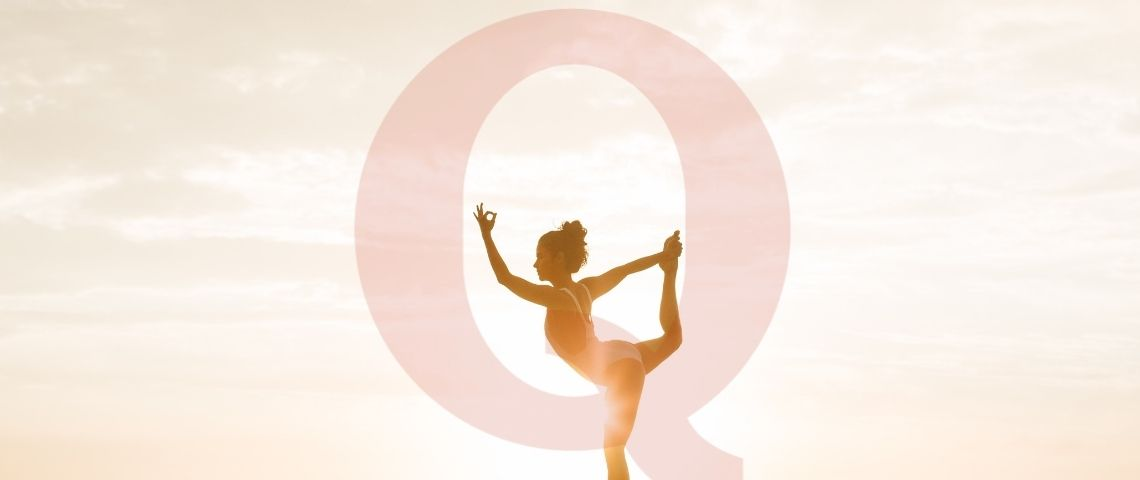Une femme qui fait du yoga