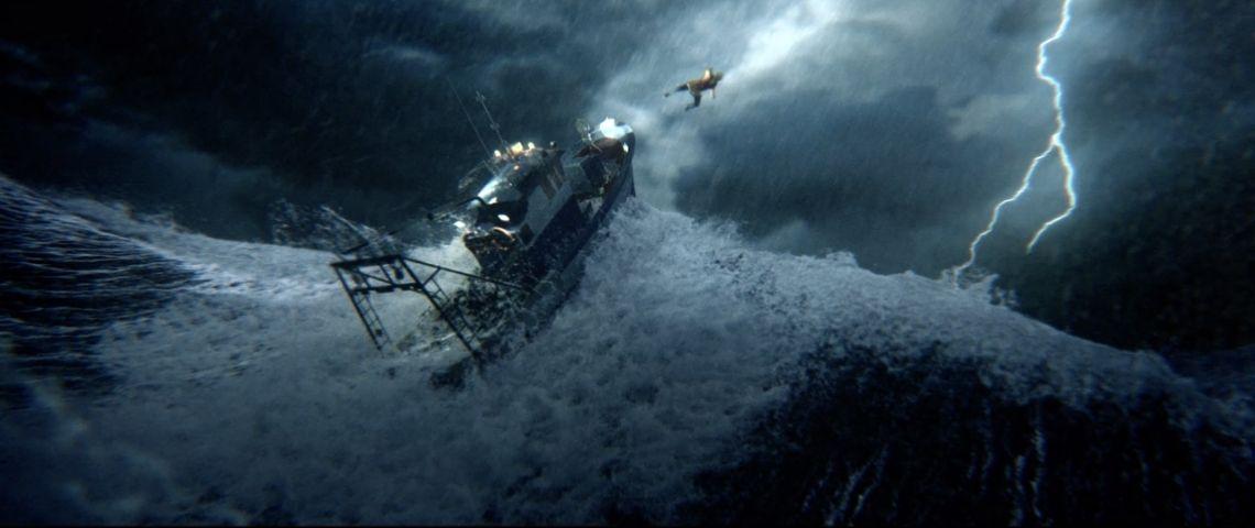Jeune expulsée d'un bateau lors d'une tempête